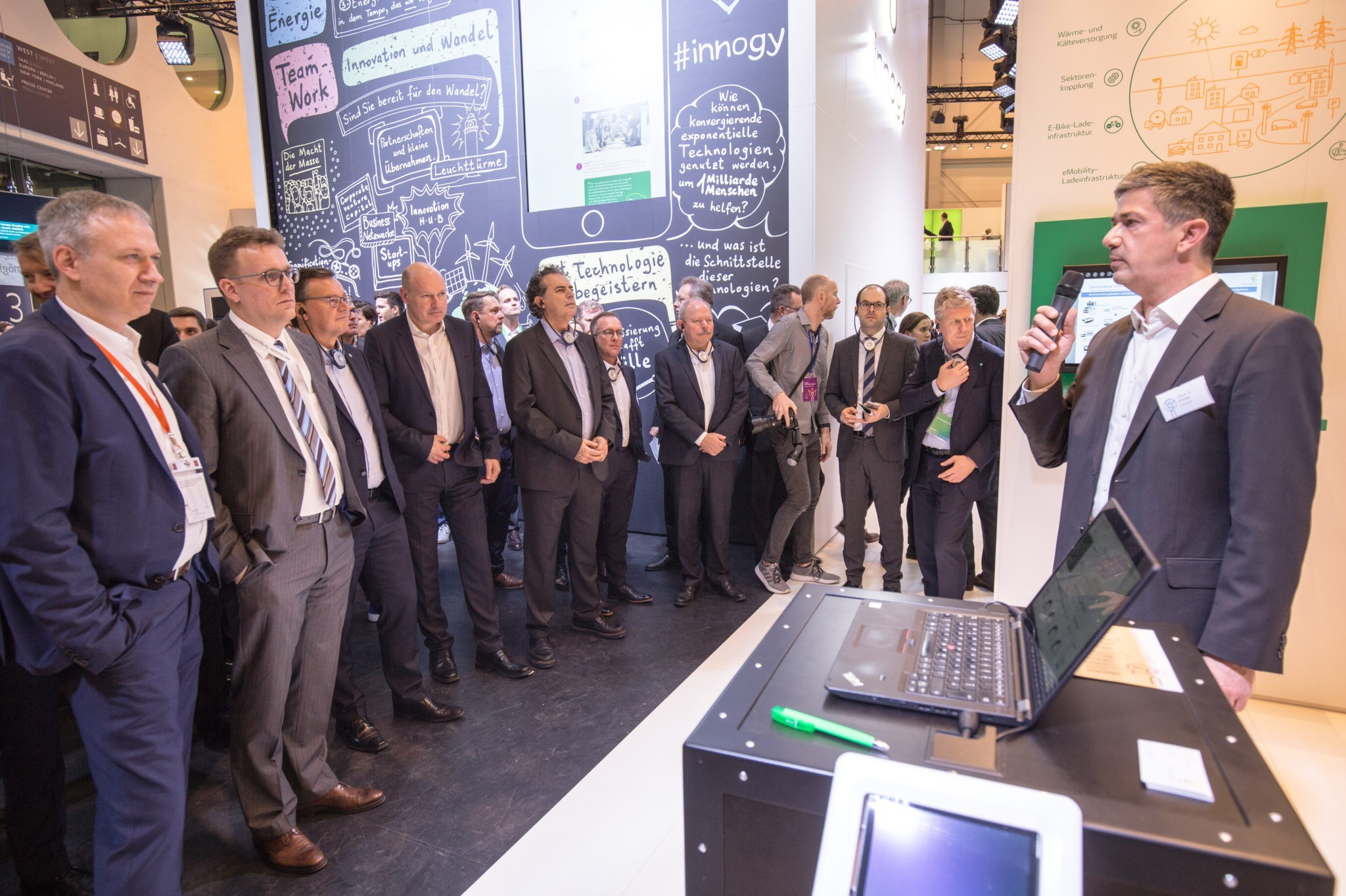 GdW Delegation visiting innogy/Lemonbeat Stand at e-World 2019